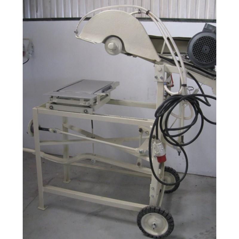 Máquina de corte de material refráctário